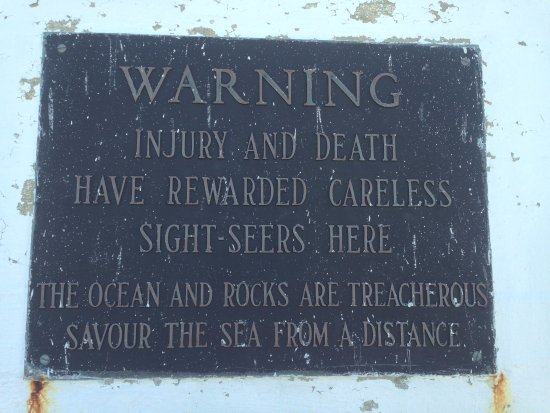 Peggy's Cove, Canada: Warning on Lighthouse