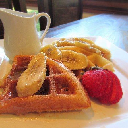 Waynesville, NC: Belgian waffles with caramelized bananas