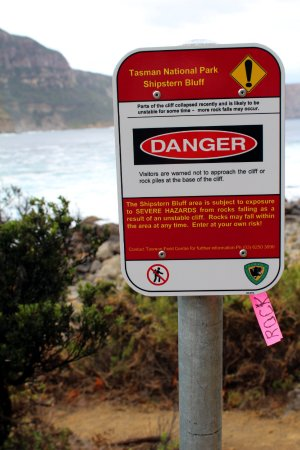 Shipstern Bluff : Warning sign about possible further rock falls after the rock fall in January 2017