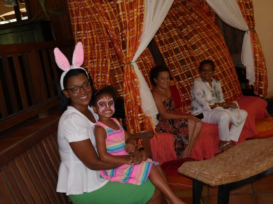 Belmont, Grenada: Special on Easter Sunday face painting with the Easter Bunny