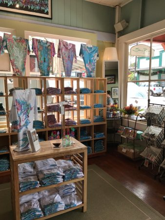Makawao, HI: Water color shirts of all sizes and 3 arm lengths
