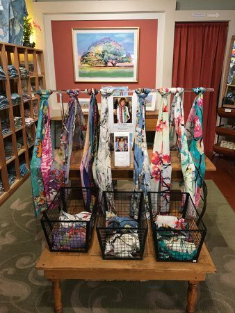 Makawao, Hawái: Scarves that are watercolored