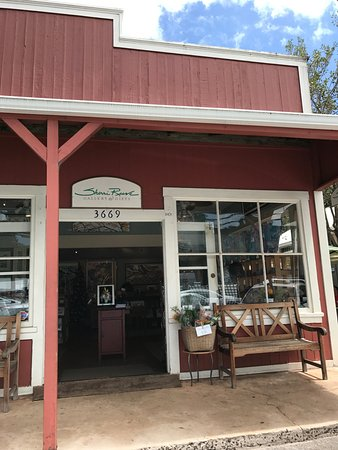 Makawao, Hawaï: Front of the Sherri Reeve store on Baldwin Avenue