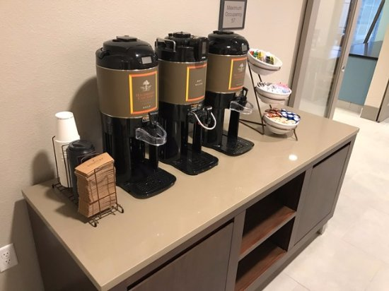 Indianola, IA: 24-Hr Coffee & Tea Bar