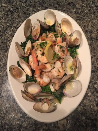 New Bedford, MA: Little neck and Shrimp Amalfi