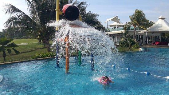 Pulau Carey, มาเลเซีย: The bucket splasher