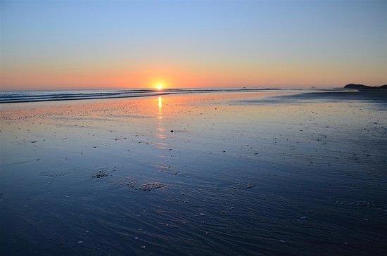 Waihi Beach, New Zealand: Suns up