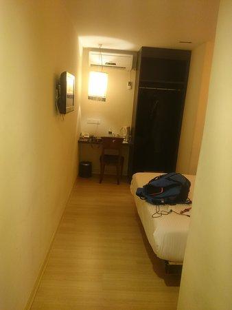 Seri Costa Hotel-Resort: Spacious & beautiful room