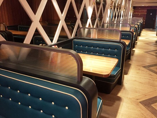 Pleasant Booth Style Seating Picture Of The Diner Strand London Creativecarmelina Interior Chair Design Creativecarmelinacom