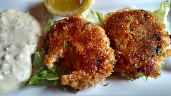 The Drift Inn: Excellent Crab Cakes. The Real Deal