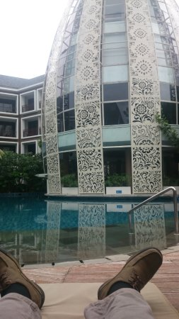 Kolam Renang Picture Of Golden Tulip Jineng Resort Kuta Tripadvisor