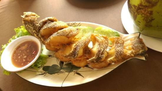 Deep fried whole fish picture of neary khmer restaurant for Deep fried whole fish