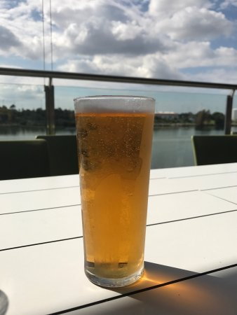 Wolli Creek, Australia: Beer with a view