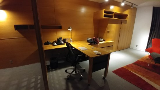 Hotel Gault: 20170413_213746_large.jpg