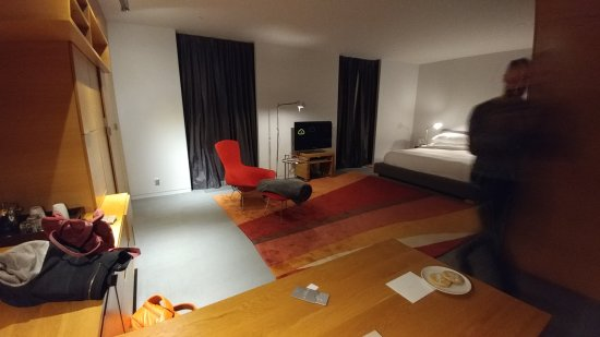 Hotel Gault: 20170413_213753_large.jpg