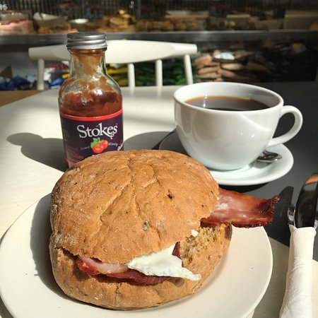Cornerstone Cafe: Bacon and egg bap on brown