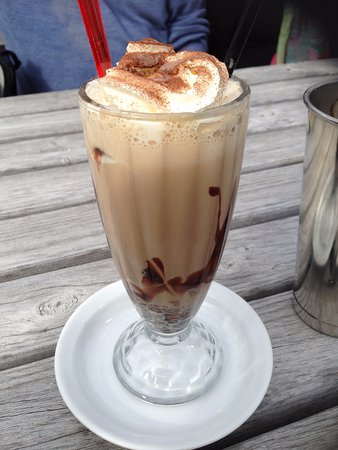 Pitstop Cafe: Iced coffee (minus ice or ice cream!)