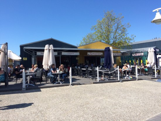Le restaurant picture of le bistrot du port saint denis - Le bistrot du port courseulles ...