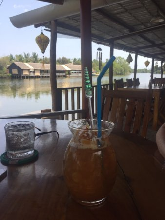 Balcony - Phuong Vi Restaurant Photo