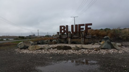 Bluff Hill : Entrance to Bluff