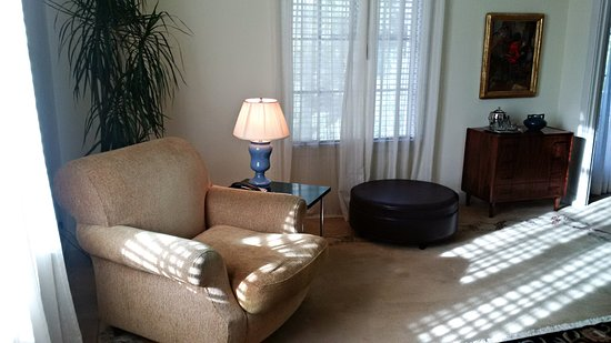 Chateau Marmont: Hillview Suite 58