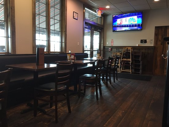 Penfield, Estado de Nueva York: Jeremiah's Tavern - lots of TVs!
