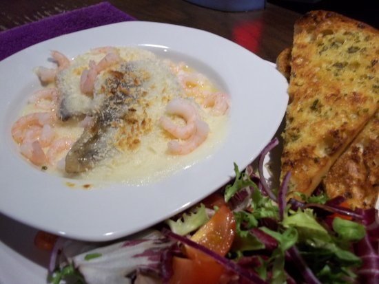 Fraddon, UK: Cod & Prawn Mornay