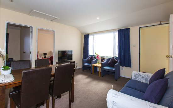 Riccarton mall motel: Two bedroom apartment with spa bath