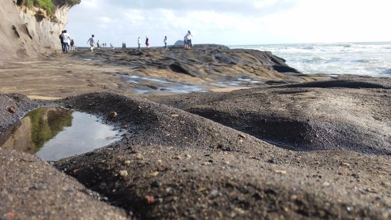Muriwai Beach, Nueva Zelanda: Low tide;)