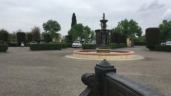 Villa Olmi Firenze: Ankommen und direkt entspannen und wenn man in die City möchte einfach den Hotel eigenen Shuttle