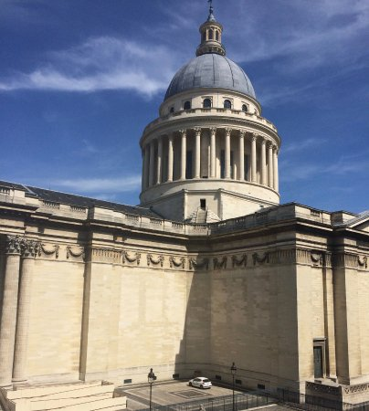 Hotel des Grands Hommes: Pantheon view from room by day