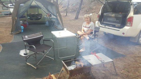 Clanwilliam, แอฟริกาใต้: Breakfast fire smoking.
