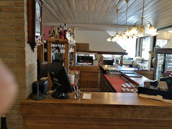 Bar Con In Fondo Il Grill Picture Of Terrazza Grill