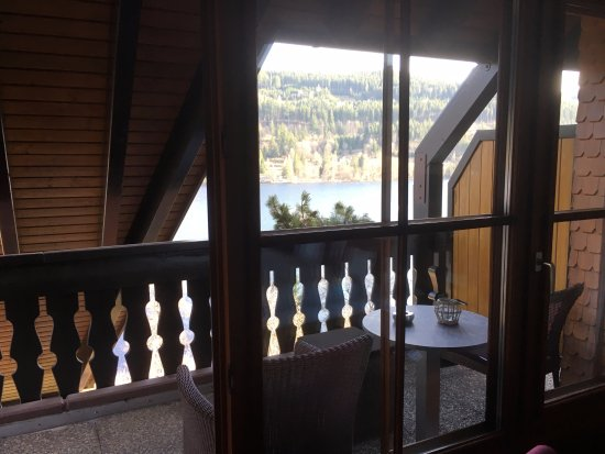 Boutique-Hotel Alemannenhof: View on the lake is somewhat restricted by the roof structure