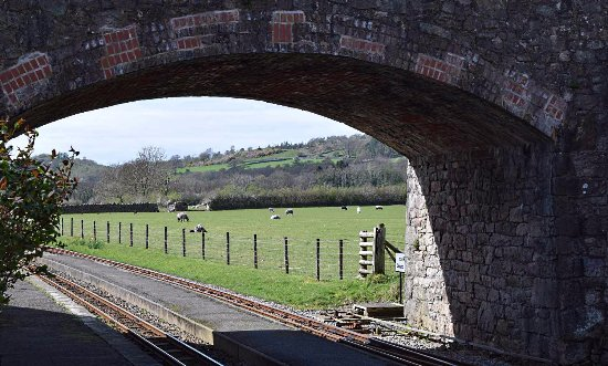 Ravenglass, UK: Irton Road station halfway along the line.