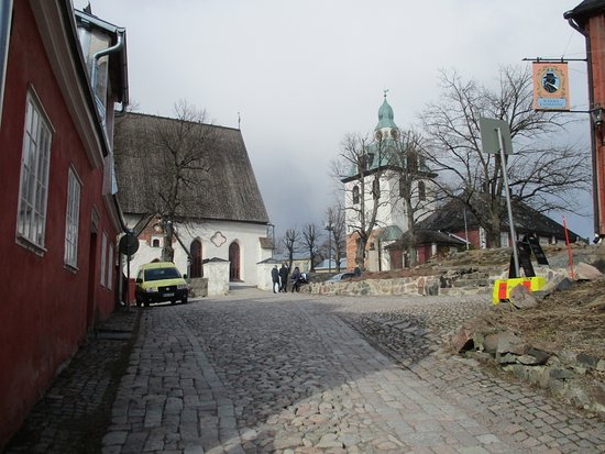 Porvoo, Finland: Kirkko on mäen päällä
