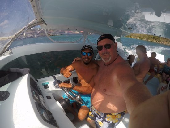 Oyster Pond, เซนต์มาร์ติน / ซินท์มาร์เทิน : awesome day with Captain Alan! You gotta go with him and his crew if your in St Maarten!