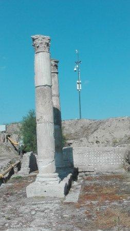 Сибари, Италия: Le colonne viste da vicino