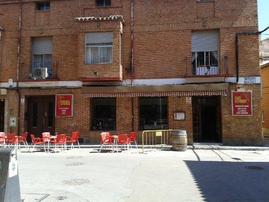 Carinena, Spain: La esplendida terraza del Bar iliturgis