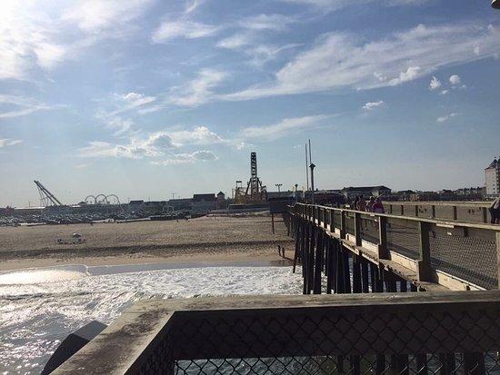Oc fishing pier picture of oc fishing pier ocean city for Ocean city md fishing pier
