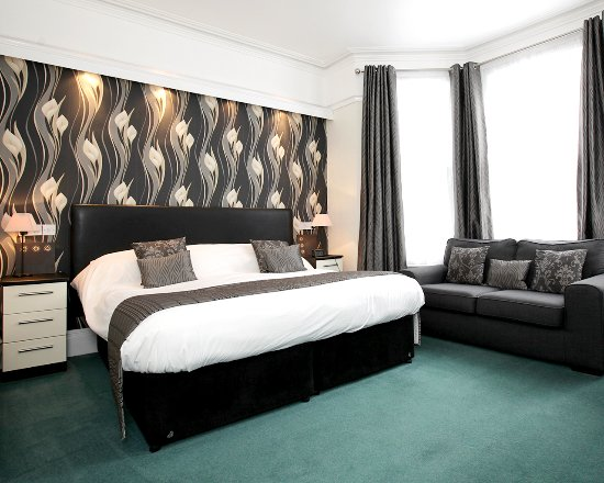 Mount Edgcombe: Executive Superking Room
