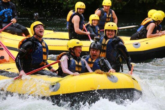 Okere Falls, Nuova Zelanda: A great water bashing!