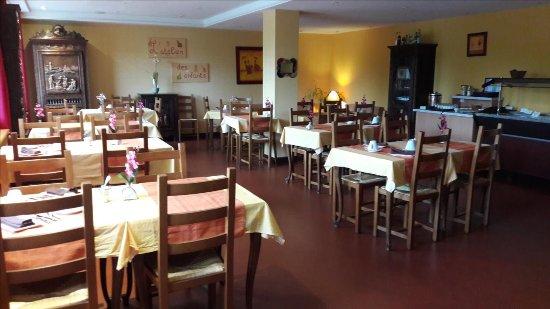 Mereville, Francia: Salle du petit déjeuner