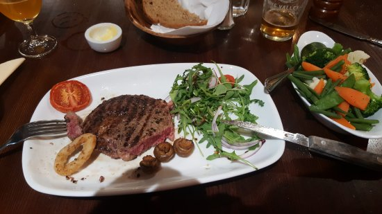 The Crown At Hopton: A proper rare steak bursting with flavour