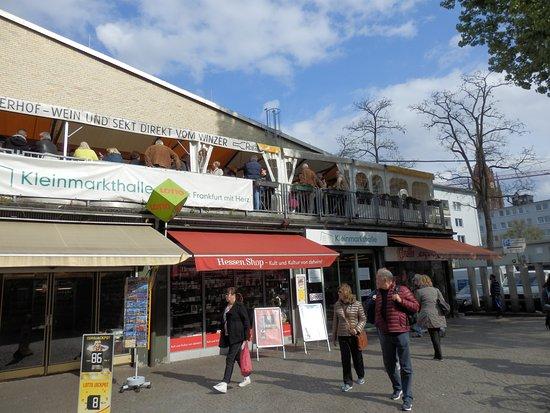 Kleinmarkthalle: Unauffällig gelegen mit in der Stadt