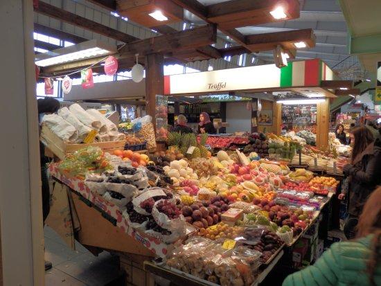 Kleinmarkthalle: Früchtestand