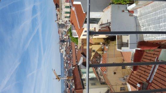 Lisbon Rooftops Guest House: 20170415_101515_large.jpg