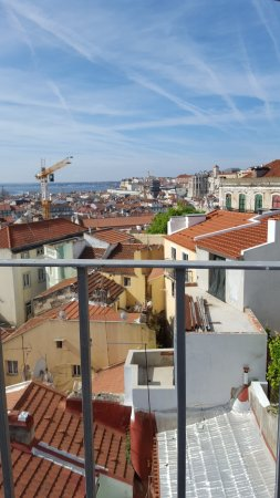 Lisbon Rooftops Guest House : 20170415_101515_large.jpg