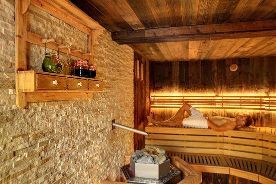 Infinit water and sauna world prague czech republic for Prague bathhouse