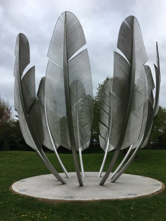 Midleton, Irlanda: The Kindred Spirits Monument, raised as a thank-you to the Choctaw Nation, for their contributio